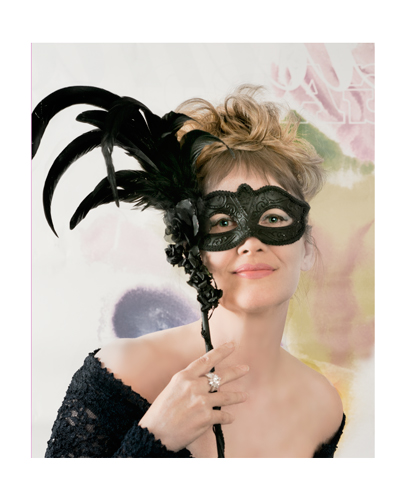 _JAS1756-2-WEB-For-Bus-Card--Flattened-Jane-with-Halloween-Feather-Mask