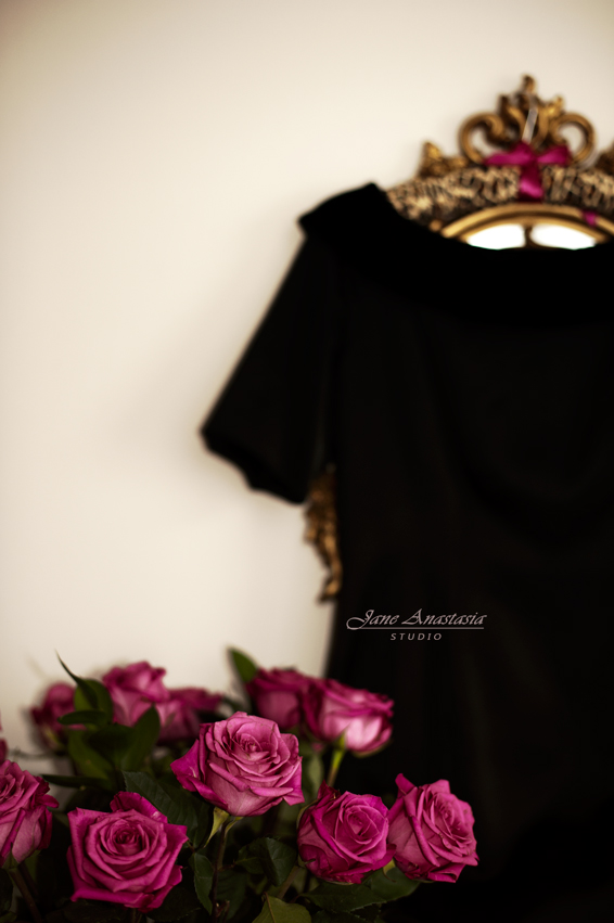 _JAS6798-WEB-Pink-Roses-Black-Dress