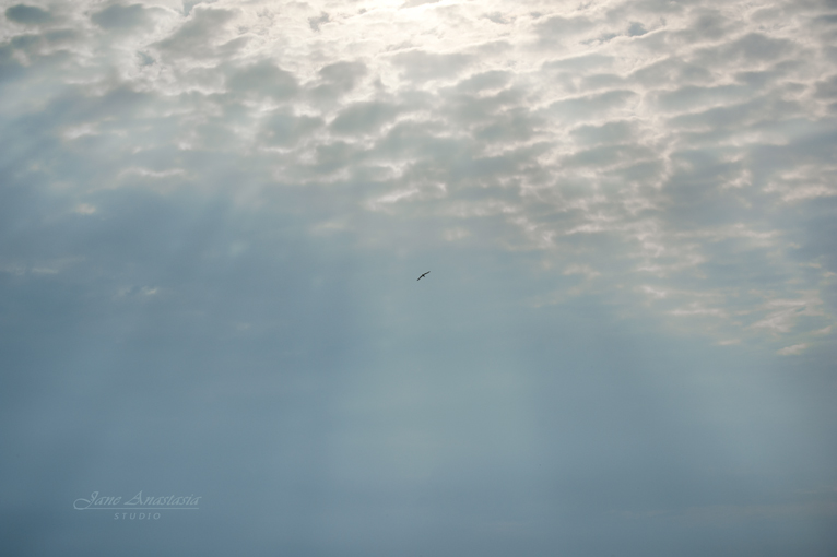 _JAS3167-2aWEB-Sunrays-and-clouds-at-lake