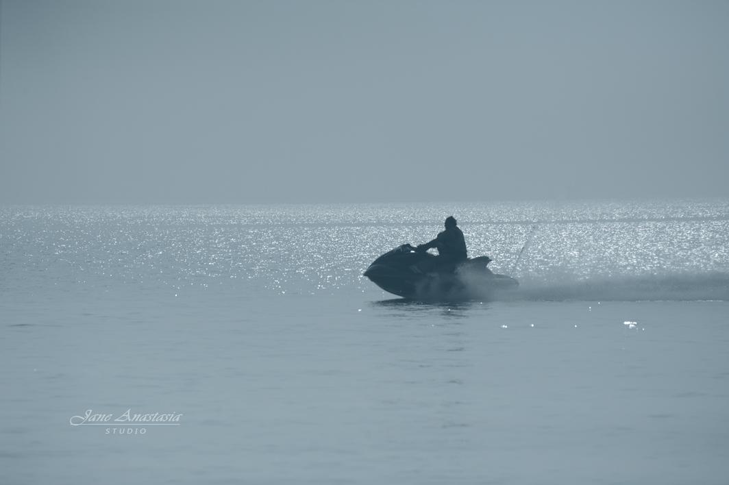 _JAS4642-WEB-Sea-Doo-on-Lake