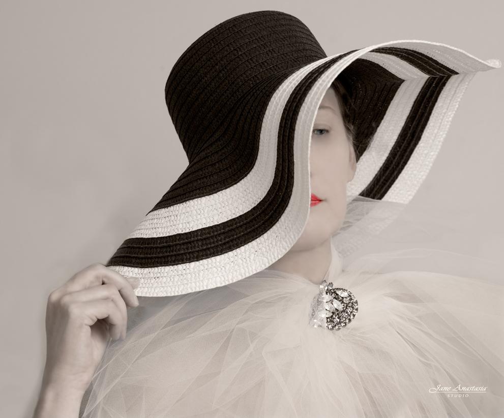 _JAS6902-4-WEB--Jane-in-Striped-Hat