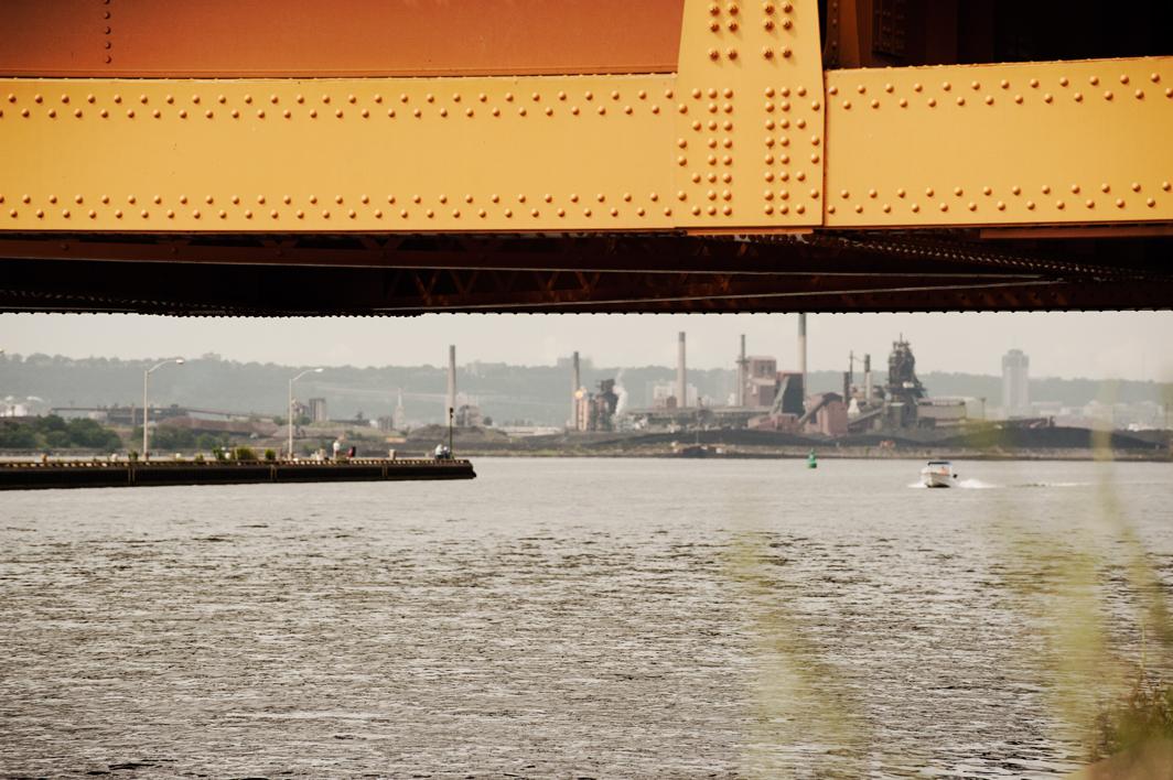 _JAS7328-WEB-Hamilton-through-lift-bridge