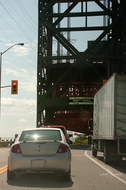 _JAS7356-WEB-Lift-Bridge-open