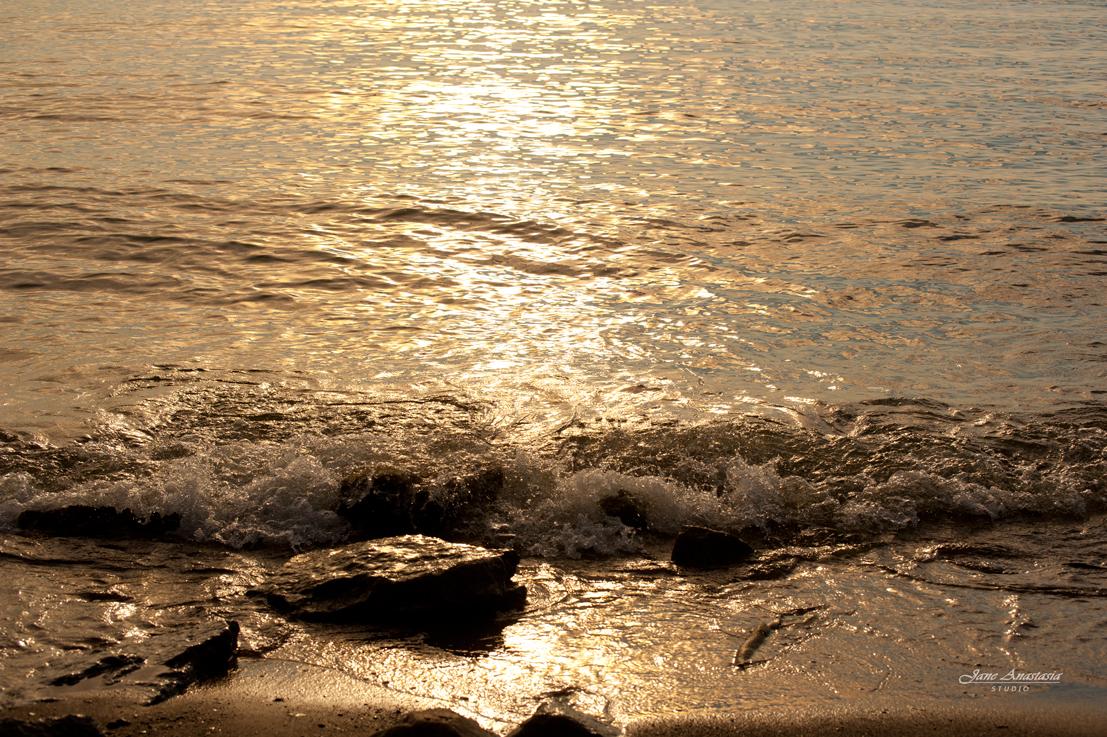 _JAS7928-Web---golden-lake-waves
