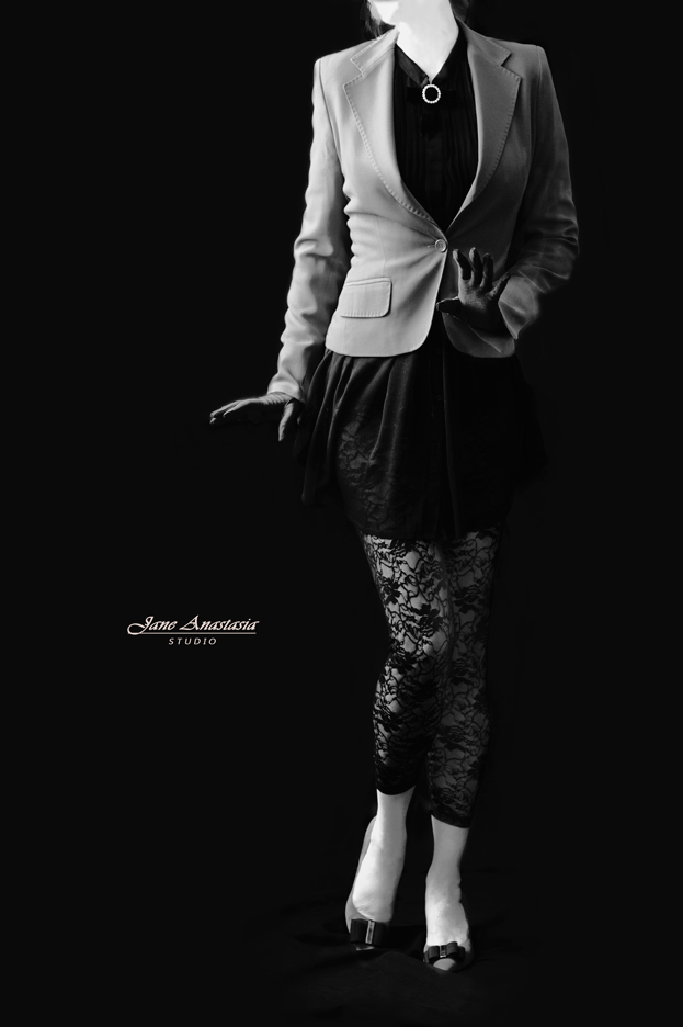 _JAS2107-WEB-BW-Dancing-Jane-3