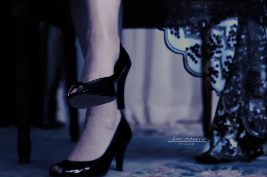 _JAS1347--WEB-Jane-legs-sparkle-scarf