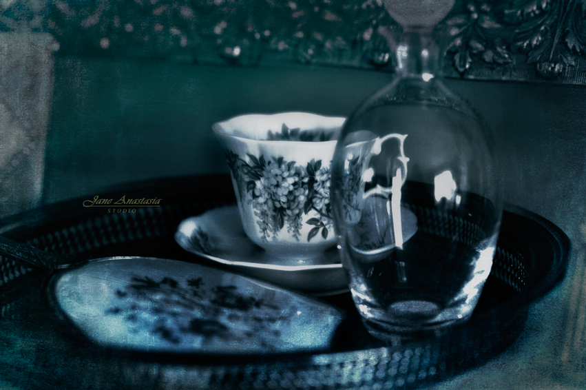 _JAS2314-WEB-Teacup-on-tray-2