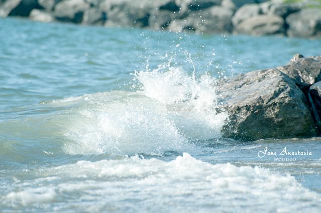 _JAS4703-WEB-Waves-against-rocks-3