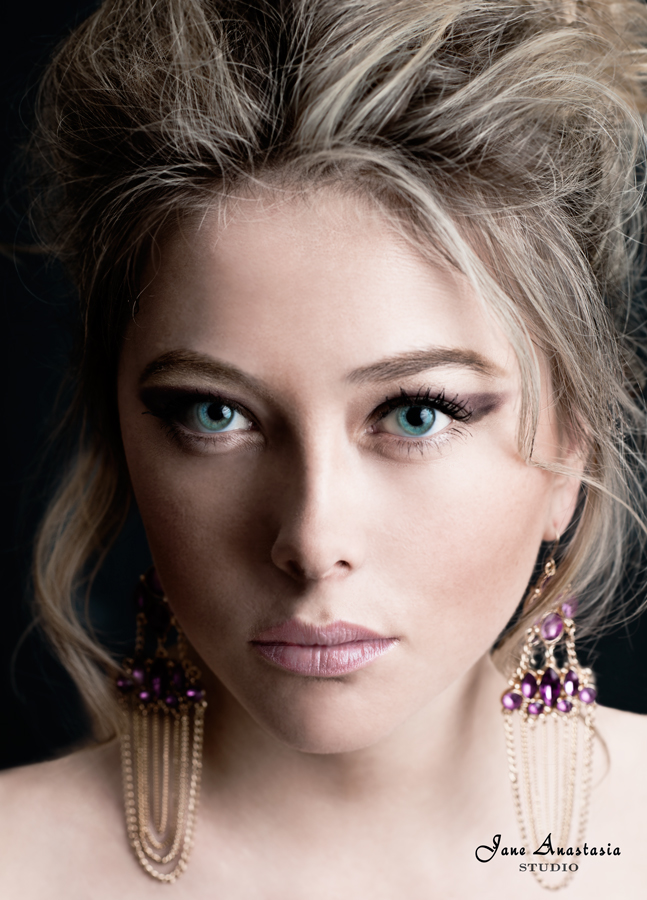 _JAS4955-WEB-Melanie-Beauty-close-up-3c