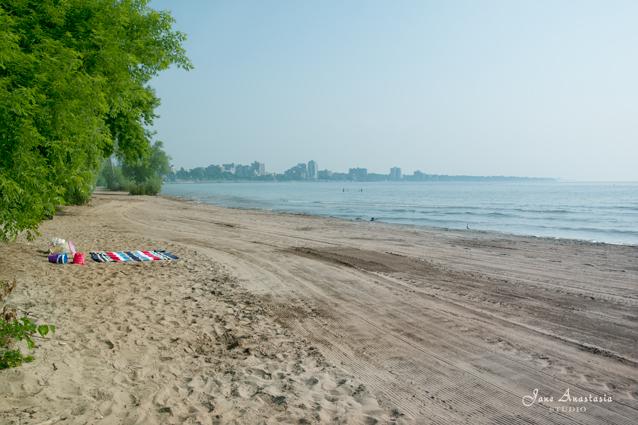 _JAS6092-WEB-Beach-towel-on-beach