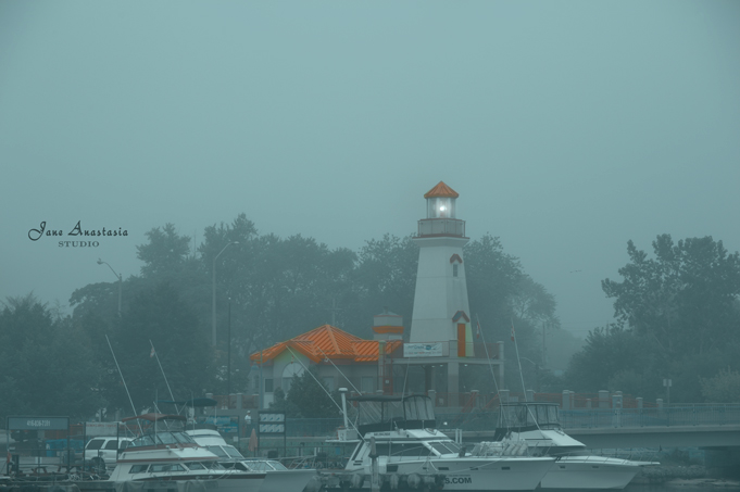 _JAS8426-WEB-Port-Credit-Lighthouse-in-fog-2a