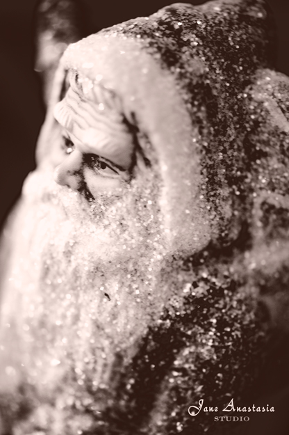 _JAS0979-WEB-Sparkle-Santa-BW