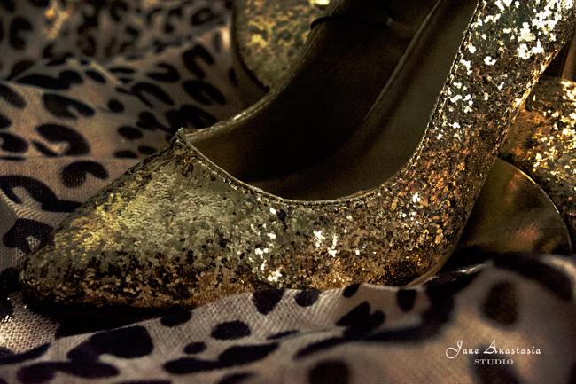 _JAS1596-WEB-Gold-Shoes-close-up