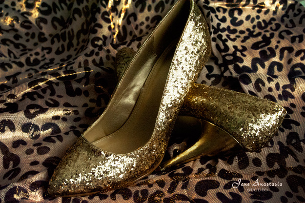 _JAS1605-WEB-Gold-Shoes-full