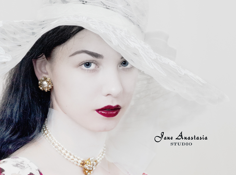 _JAS3289-WEB-Joy-in-white-hat
